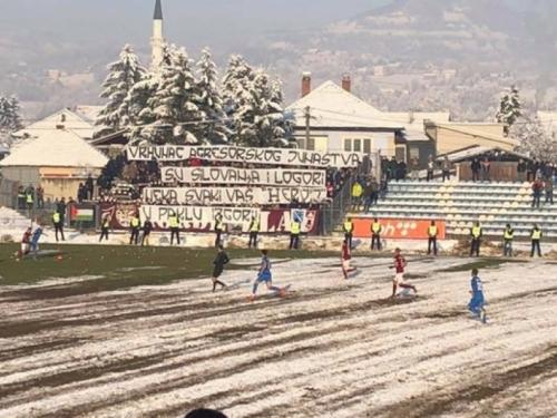 Sramotan transparent navijača Sarajeva