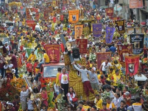 18 milijuna katolika u najvećoj svjetskoj procesiji slavi Isusa!