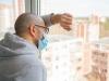Nakon koliko dana od zaraze koronavirusom se pojavljuju simptomi?