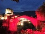 Stari most u Mostaru u bojama turske zastave
