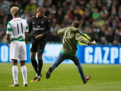 Mbappea šakom napao navijač Celtica