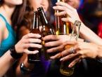 Kad bi znali koliko alkohol ima kalorija, mladi bi ga manje pili