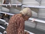 Fotka koja slama srca: Nakon onog što je zatekla u trgovini, baka otišla u suzama