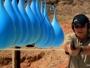 Što mislite koliko balona s vodom može zaustaviti metak?