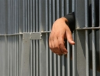 Želi u zatvor: Opljačkao banku jer ne želi biti u kući sa ženom