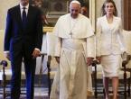 Samo sedam žena može nositi bijelo pri susretu s papom - U čemu je tajna?