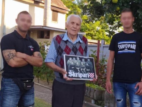 Škripari u Tovarniku posjetili Rajka Škrobu koji je s osam godina bačen s litice i preživio