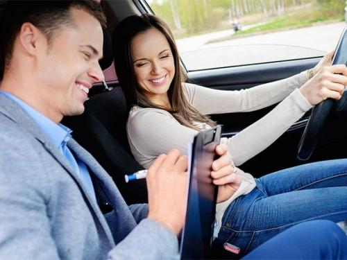 Polaganje vozačkog: Zakon će propisati minimalnu cijenu sata obuke