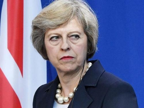 May odgodila glasanje o njenom sporazumu o Brexitu