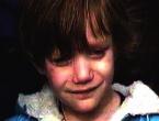 """U koloni sjećanja je bila i """"djevojčica u plavom kaputu"""", pogledajte koga je držala za ruku"""