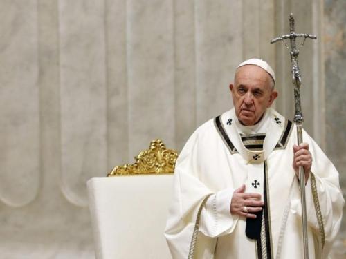 Papa Franjo pozvao ljude da se pridržavaju pravila dok se ublažavaju mjere