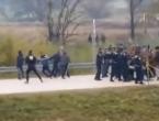 Migranti probili kordon i krenuli prema hrvatskoj granici
