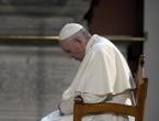 Papa zapalio svijeću za sirijsku djecu
