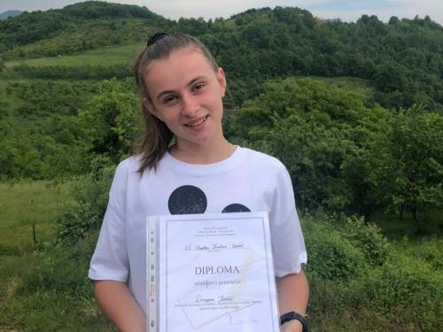 Dragana Juričić učenica generacije na Uzdolu
