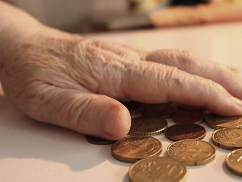 Polovina umirovljenika u FBiH živi u siromaštvu, od 326 KM mjesečno