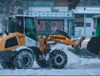 Velik snijeg zatrpao Austriju: Više od 1000 ljudi dobrovoljno čistilo cestu kako bi stigli na posao