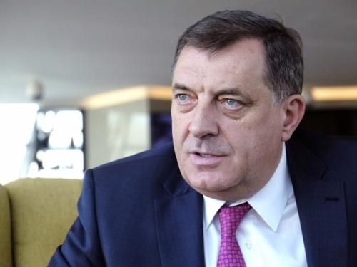 Dodik ponovno niječe genocid u Srebrenici