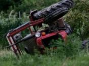Tragedija u Požegi: Otac i sin poginuli u prevrtanju traktora