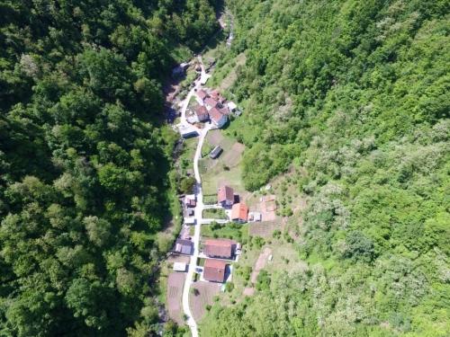 FOTO/VIDEO: Rama iz zraka - Gračac