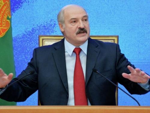 Predsjednik dao otkaze premijeru i ministrima