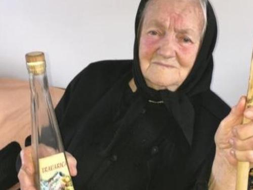 Bosiljka (86): ´Ubilo me kad sam dobila kaznu za pečenje rakije´