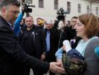 """Brođanka u suzama poručila Plenkoviću: """"Pije li i vaše dijete flaširanu vodu?"""""""
