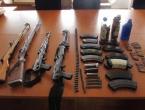 Kod migranata u Sarajevu pronađena veća količina oružja
