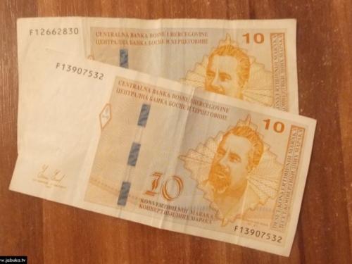 Novčanica od 10 KM ima grešku već 20 godina
