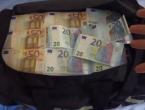 Kalesija: Našao torbu sa 75.000 eura i vratio je vlasniku