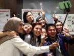 Tinejdžeri poludili za štapićem za 'selfie'