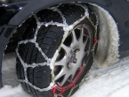 Zimska oprema: Kome su potrebni lanci, a kome lopata i vreća pijeska?