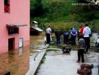 Foto: Nevrijeme u Rami: plivale tave, cipele, kontejneri a i grad!