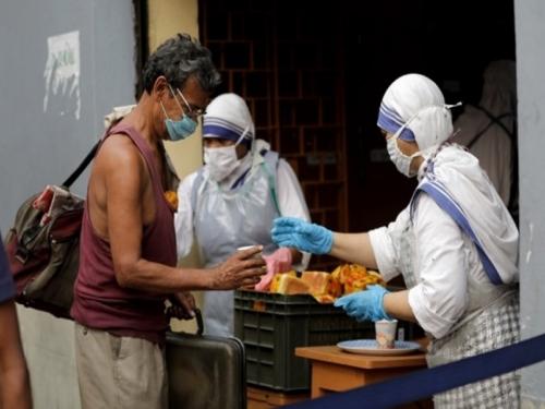 Rekordan broj novozaraženih u Indiji, dnevni broj slučajeva prvi put prešao 100.000