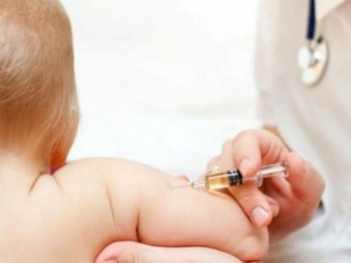 Zbog odgode cijepljenja rizik od ospica i polija za 80 milijuna djece