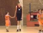 Div iz Rumunjske: Viši od svih u NBA ligi, a ima tek 13 godina