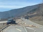 U prometnoj nesreći u Šujici sudjelovala tri vozila