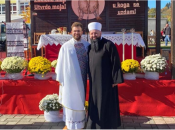 Efendija došao na prvu misu mladom svećeniku, nagrađen gromoglasanim aplauzom