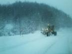 FOTO: Zbog snijega na Makljenu policija isključuje tegljače iz prometa