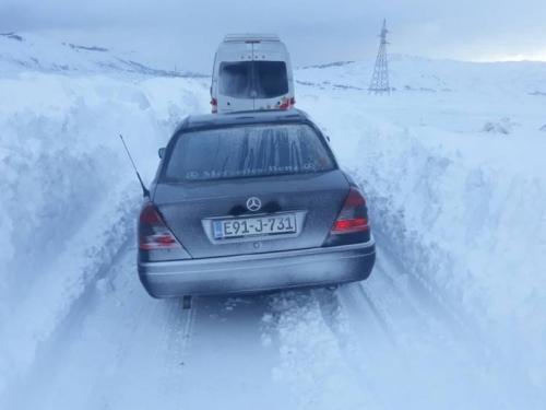 Snježni nanosi zatvorili cestu Šujica - Kupres za sva vozila