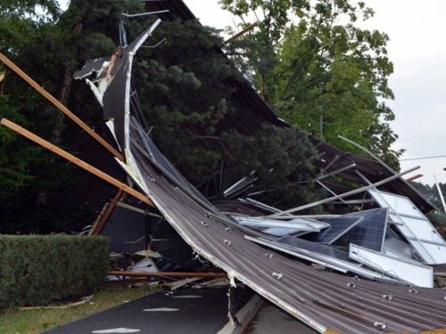 Snažna oluja prošla Rumunjskom, poginulo osam osoba