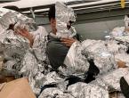 Migranti se omotavaju aluminijskom folijom da prođu rendgensku kontrolu