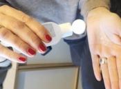 Liječnici upozoravaju: Ne koristite gel za dezinfekciju ruku na plaži, opasno je