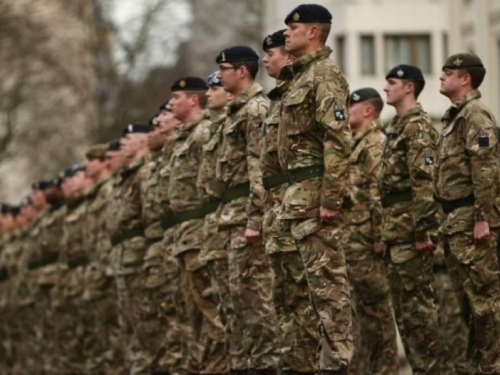 BuzzFeed: Brexit bez sporazuma značit će i manje britanskih vojnika u BiH