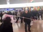 Tučnjava: Turski putnici napali kurdske prosvjednike