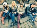 Francuska zabranjuje mobitele u školama