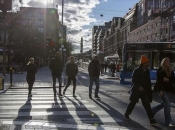 Švedska bez strogih mjera s manje umrlih nego 2020.