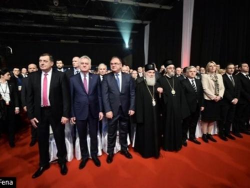 Rusi spominju rat zbog Dodika