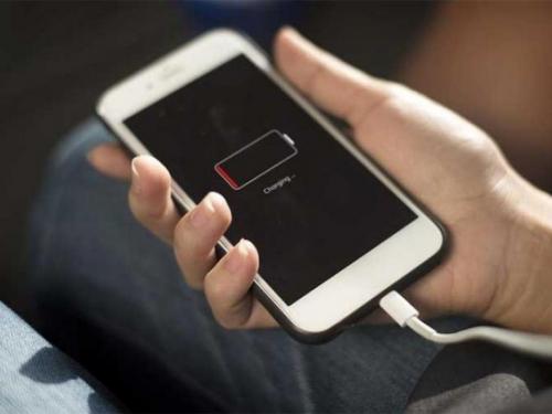 Google objasnio kako produžiti trajanje baterije na smartphoneu