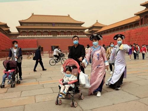 Kinezi sve stariji i sve manje žele djecu