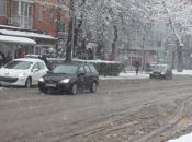 Upozorenje za vozače: Snijeg, mokar kolnik, jaki udari vjetra...